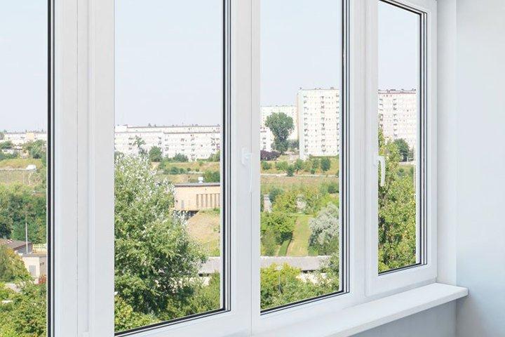 Остекление неотапливаемого балкона пластиковыми окнами
